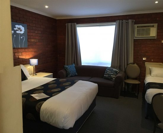 Melton Motor Inn - Standard Queen Room